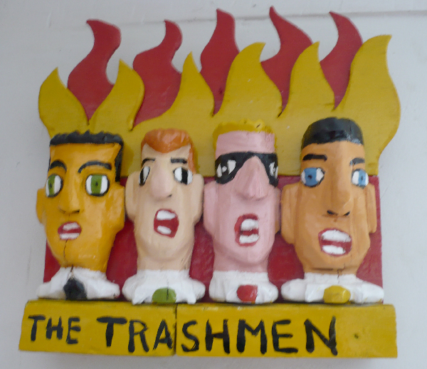 The Trashmen. sculpture bois. Yann Paris.